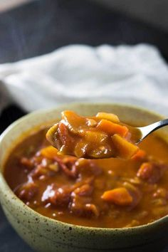 This Chunky Tomato Soup is so delicious, easy to make and great if you're in need of some comfort food! Tomato Soup, Chana Masala, Soups And Stews, Healthy Recipes, Sweets Recipes, Good Food, Meals, Dinner, Cooking