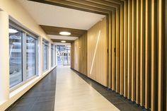 Kanoa – Soon Architecture  Création de l'aménagement du hall d'entrée d'un immeuble de bureau  Mission complète d'architecture d'intérieur: étude et maîtrise d'œuvre  Réalisation des travaux en 2015 et 2016  Architectes du batîment: Studio 02 architectes