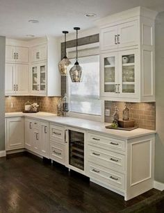 100 Elegant White Kitchen Cabinets Decor Ideas For Farmhouse Style Design. Kitchen cabinetry is not just for storage. It is an essential element to your kitchen's style when doing a kitchen remodel. Off White Kitchen Cabinets, Off White Kitchens, Kitchen Cabinets Decor, Farmhouse Kitchen Cabinets, Modern Farmhouse Kitchens, Kitchen Cabinet Design, Kitchen Backsplash, Backsplash Design, Backsplash Ideas
