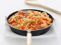 Serve Up Paella for a Year of Good Fortune How To Cook Lobster, How To Cook Steak, How To Cook Eggs, Seafood Recipes, Dinner Recipes, Yummy Recipes, Recipies, Vegetarian Cooking, Cooking Recipes