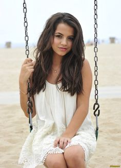 Young actresses such as Isabela Moner deserve a lot more recognition for having such talent at a young age. Amanda Bynes, Zooey Deschanel, Olivia Holt, Isabela Moner, Ashlee Simpson, Young Actresses, Brunette Actresses, Black Actresses, Female Actresses