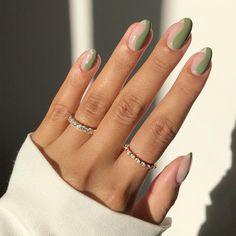 Almond Acrylic Nails, Best Acrylic Nails, Almond Shape Nails, Stylish Nails, Trendy Nails, Elegant Nails, Green Nail Designs, Round Nail Designs, Almond Nails Designs Summer