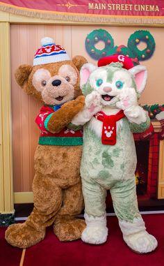 Duffy and Gelatony Downtown Disney, Disney Parks, Walt Disney, Happy Friends, Mickey And Friends, Disney Land And Sea, Duffy The Disney Bear, Tokyo Disneyland, Disney Christmas