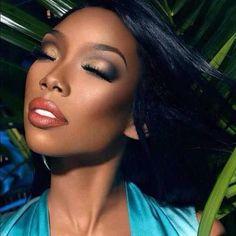 Gorgeous Makeup: Tips and Tricks With Eye Makeup and Eyeshadow – Makeup Design Ideas Dark Skin Makeup, Eye Makeup, Hair Makeup, Red Eyeshadow Look, Bronze Makeup, Gorgeous Makeup, Romantic Makeup, Flawless Makeup, Queen