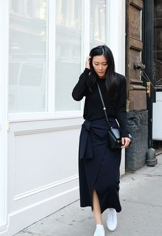 By Natasha Alexandrou The midi skirt is an ultra chic piece every woman should own. Not only are they perfect all year round, but are also suitable for just about any occasion. Make a midi skirt offic