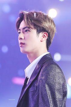 Jin is perfection Bts Jin, Jungkook Jimin, Bts Bangtan Boy, Seokjin, Namjoon, Taehyung, Jung Hoseok, K Pop, Fansite Bts