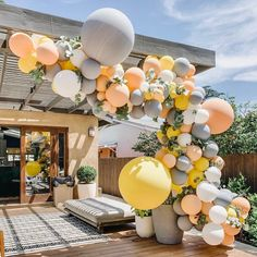 A beautiful color combination of perfect for a baby shower. Wild One Birthday Party, Baby Party, First Birthday Parties, Baby Shower Parties, Baby Shower Themes, First Birthdays, Yellow Balloons, Confetti Balloons, Balloon Arch