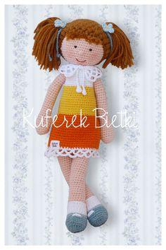 Kuferek Bietki: Niezapominajka - lalka wykonana na szydełku/ Vergissmeinnicht, Gehäkelte Puppe/ Forget-Me-Not - hand crochet doll