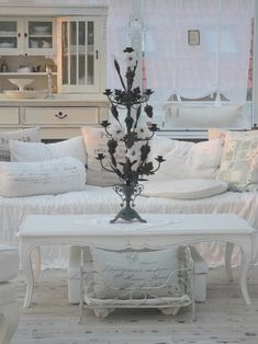 dyingofcute: french shabby pillows