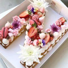 Pasteles de cumpleaños de letras números