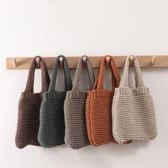 Diy Crochet, Crochet Crafts, Knitting Projects, Crochet Projects, Crochet Designs, Crochet Patterns, Recycled Yarn, Crochet Purses, Crochet Fashion