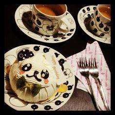 [誕生日*2012/04/17]     とぉとぉ誕生日がきてしもーたぁ=3=3     自分でこぉーてきたケーキでお祝い    相変わらずさみしぃー(꒦ິ⌑꒦ິ)     chocoholic cafeのキャラメル&アップルパンダ