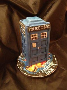 Fabulous TARDIS Cake Tardis cake Tardis and Cake