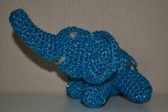 Crochet glittering turquoise elephant / Heklet glittrende turkis elefant