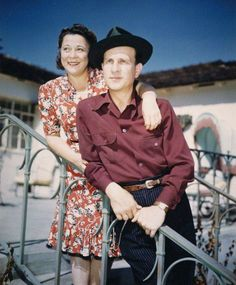 September 17,1918 Abbott and Costello's Bud Abbott (22) weds Betty Smith Great Comedies, Classic Comedies, Movie Photo, Movie Tv, Bud Abbott, Comedy Duos, Abbott And Costello, Laurel And Hardy, Vincent Price