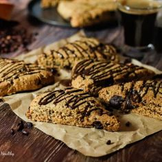 Scone sablé au chocolat et grenade | Mes recettes Healthy Grenade, Mocca, Cookies Et Biscuits, Healthy Recipes, Healthy Food, Breakfast, Pause Café, Visible, Ainsi