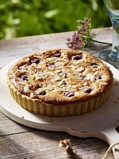 Cherry Bakewell | RecipesPlus