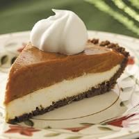 Gingersnap Pumpkin Pie Recipe- Recipes The fantastic flavor from this pie comes from butterscotch pudding and canned pumpkin, which work surprisingly well together. Kids will go wild over the cream cheese layer!Taste of Home Test Kitchen Thanksgiving Recipes, Fall Recipes, Sweet Recipes, Holiday Recipes, Holiday Desserts, Holiday Ideas, Just Desserts, Delicious Desserts, Yummy Food