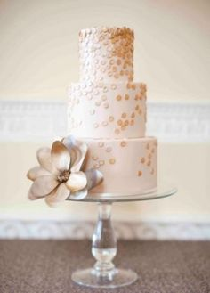 Champagne Cascading Sequin Wedding Cake | Brosnan Photographic