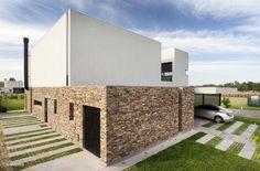 A House / Estudio GMARQ...Buenos Aires, Argnetina