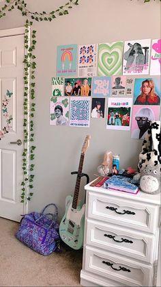 Pastel Room Decor, Indie Room Decor, Cute Bedroom Decor, Room Design Bedroom, Room Ideas Bedroom, Bedroom Inspo, Quirky Bedroom, Pastel Bedroom, Indie Bedroom