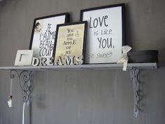 Mijn huis mijn leven, mooie decoratieve plank ter decoratie hangt bij ons in de slaapkamer voor wat extra sfeer!