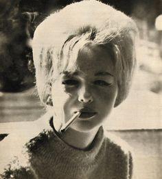 Peel Slowly and See Beatnik Style, Smokey Joe, Cigarette Girl, Smoke Art, Pep Talks, 1960s Fashion, Looks Cool, Vintage Hairstyles, Vintage Photography