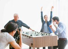 Das Fotoshooting für unseren TiKiTi, dem Tischfussball Tisch.