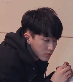 Changbin is a freaking boyfriend material | stray kids