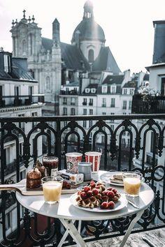 I will eat breakfast in Europe