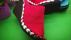 Terlik Yapımı Emelce Zencirli Modeli Crochet Videos, Sock Shoes, Cole Haan, Oxford Shoes, Dress Shoes, Socks, Trailers, Youtube, Fashion