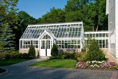 English / Victorian Greenhouses - Glasshouses traditional greenhouses #conservatorygreenhouse
