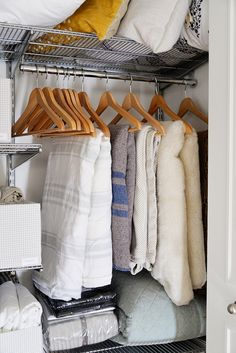 Is your linen closet bursting at the seams? Wondering how to store blankets or what kinds of linen closet containers to use? Take your linen closet from disorganized chaos to neat and orderly with these 5 tips for linen closet organization. Baby Closet Organization, Closet Storage, Organization Ideas, Organization Store, Bathroom Organization, Storage Ideas, Clothing Organization, Attic Storage, Front Hall Closet