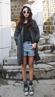 Simple, basic; tee & denim shorts & parka & slouch socks & chucks; grey tones with a touch of blue.