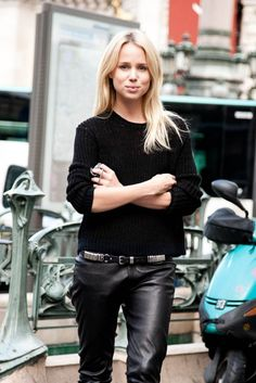 la-modella-mafia-model-off-duty-street-style-Elin-Kling-outside-Balmain-show-in-an-Acne-sweater-Elin-Kling-x-Guess-leather-pants.jpg (596×893)