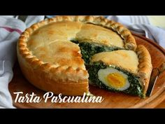 TARTA PASCUALINA con Masa Casera Tradicional Rellena con Espinaca y Ricota - YouTube Easter Pie, Easter Dishes, Spinach Pie, Pie Cake, Italian Dishes, Food Inspiration, Holiday Recipes, Food And Drink, Favorite Recipes