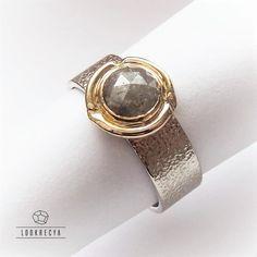 LOOKRECYA - noc komety... złoty pierścionek z diamentem rozetowym