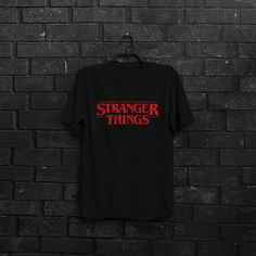 Stranger Things série T-shirt multi couleur par CRAFTINGbros