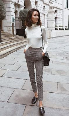 Heel-free look: chic and comfortable to work with - Gabi May - Dresses for Women Stylish Work Outfits, Style Outfits, Casual Work Outfits, Business Casual Outfits, Work Casual, Classy Outfits, Casual Office, Women Work Outfits, Dressy Casual Fall