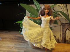 goldheels: barbieworld 2/2015 Barbie Clothes, Tube, Reading, Crochet, Books, Dresses, Fashion, Vestidos, Moda