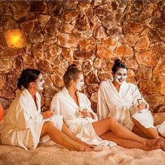 "This week, treat yourself to a unique, luxurious, and ""salty"" experience at @saltcavesb on State Street. You can do a #massage, pamper your skin, get some neat #gifts for friends and family, or just tour the cave! Plus, it's just a short walk from the hotel. For a list of services, products, and more information, visit: http://saltcavesb.com/ (Photo via Salt)"