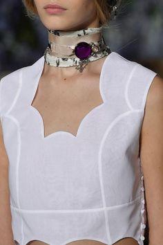 Fashion| Tendenze moda primavera-estate 2016: il foulard | http://www.theglampepper.com/2016/03/15/14775/