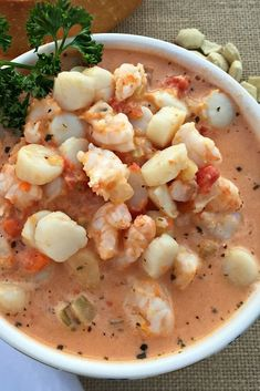 25 Seafood Stew Dishes To Make All Year - Seafood dishes to deal with the heat of summer months and the coldness of winner months? Seafood stew is such a perfect choice. Fish Dishes, Seafood Dishes, Guisado, Seafood Stew, Cooking Recipes, Healthy Recipes, Healthy Dishes, Cooking Time, Soup And Salad