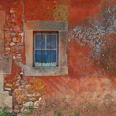 La Maison d'Ocre - Roussillon, Provence | by © Ken Quantick