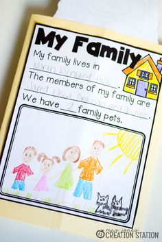 An All About Me activity is a great way to introduce your learners to one another at the beginning of the school year. This lapbook is a perfect start! Kindergarten Family Unit, Preschool Classroom Rules, Preschool Family Theme, Kindergarten Themes, Preschool Learning Activities, Preschool Themes, Preschool Lessons, Family Activities, Classroom Ideas