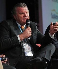 """José Adalberto Ferrara participou do painel sobre """"O Futuro da Corretagem de Seguros"""" no segundo dia do Congresso """"O Corretor de seguros tem o principal ativo do mercado em mãos: o cliente."""