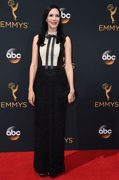 Jill Kargman arrives for the 68th Emmy Awards on September 18, 2016 at the…