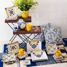 Coleção Quartier Sevilha da Oxford Porcelanas. A tendência da azulejaria, que já tomou conta da arquitetura e da moda, agora também invadiu as mesas.