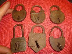 Lot d'anciens Cadenas & Clés Tôle ou Bronze : Diamant DRGM LNT Vintage Padlock