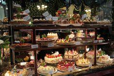 Hopetoun-Tea-Rooms-Cakes.jpg (700×467)